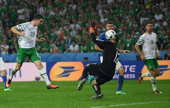 Irlanda histórica supera a Italia 1-0 y pasa por primera vez a octavos en Eurocopa.
