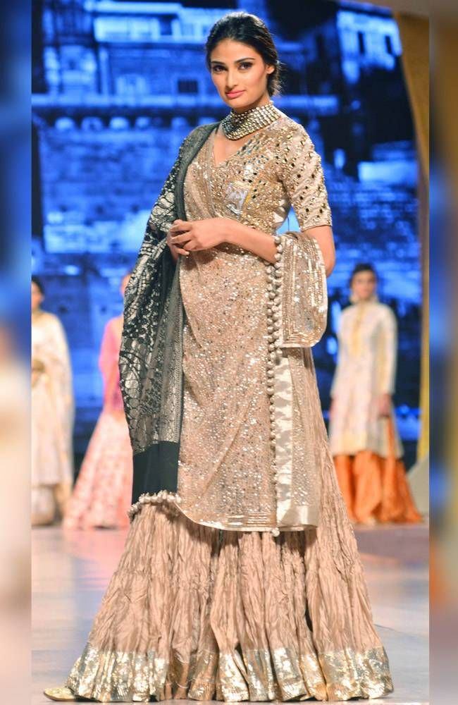 Athiya Shetty on the ramp at the 'Caring With Style 2016' in Manish Malhotra.