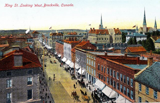 King Street, Brockville, Ontario, 1909  -- from postcard   (Brockville Museum collection)