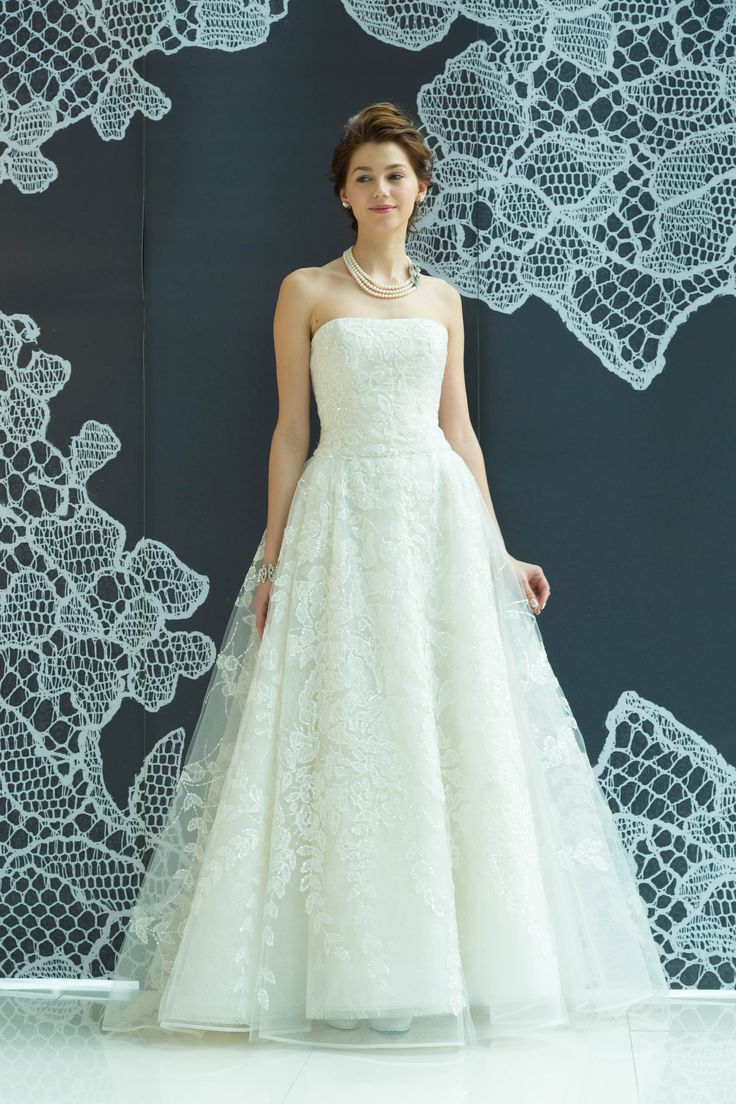 #wedding #weddingdress #dress #dressshop #white #collectionshow #Tokyo #ginza #NOVARESE #結婚式 #ウエディング #ウエディングドレス #ドレス #ドレスショップ #ホワイト #白 #コレクションショー #ランウェイショー #東京 #銀座 #ノバレーゼ #Collette #CAROLINAHERRERA #キャロリーナ・ヘレラ