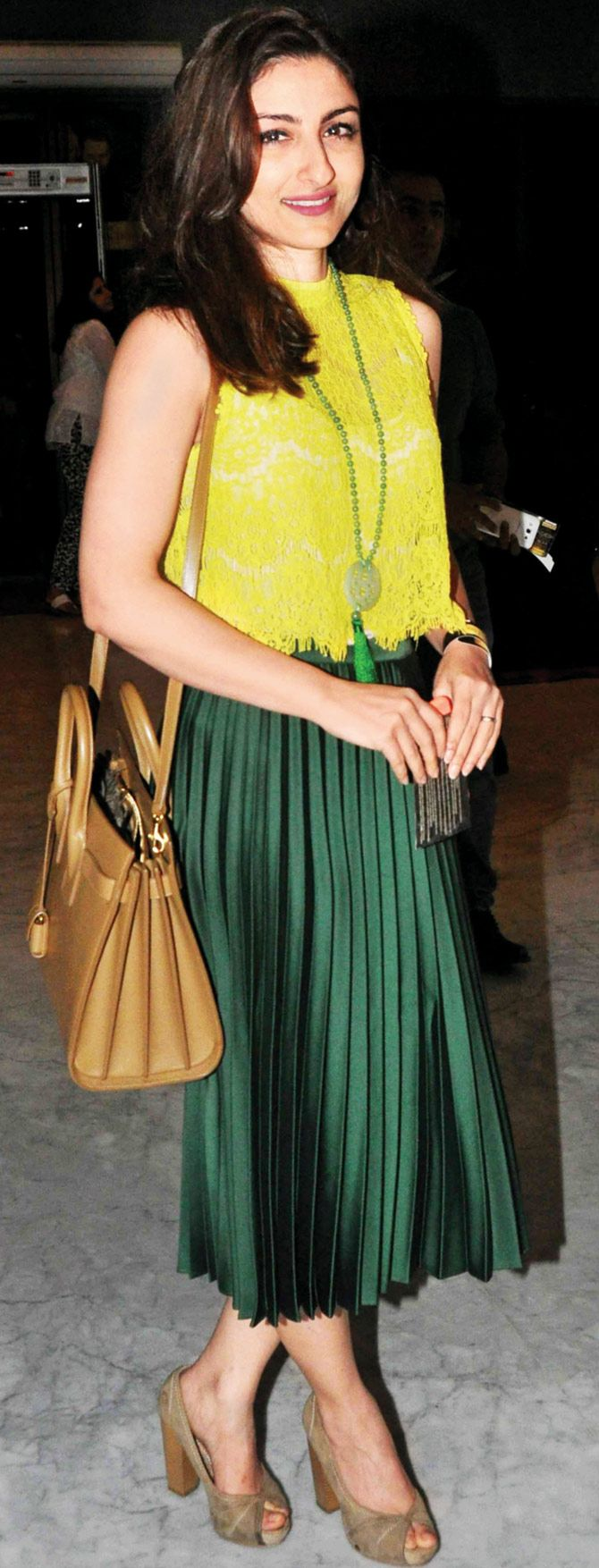 Soha Ali Khan at Indian premiere of comedy tour. #Bollywood #Fashion #Style #Beauty #Hot #Cute