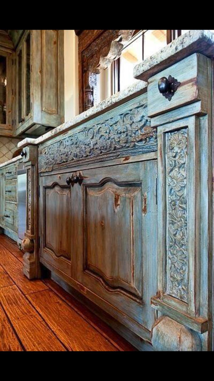 Old World Style Distressed Kitchen Cabinetsrustic