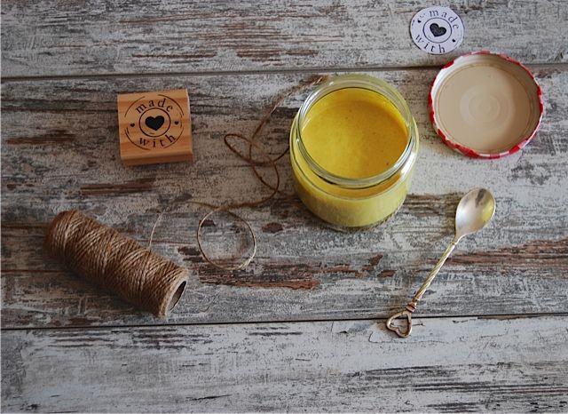 Eccomi tornata con una nuova ricettina indicata per queste calde giornate.. Dimenticatevi il forno ed andate sul blog per questa Lemon  Curd Crudista e Vegana.. Vi aspetto..  http://www.ilprofumodellestelle.it/?p=775 #lemoncurd #raw #crudista #vegan #lemoncurdraw