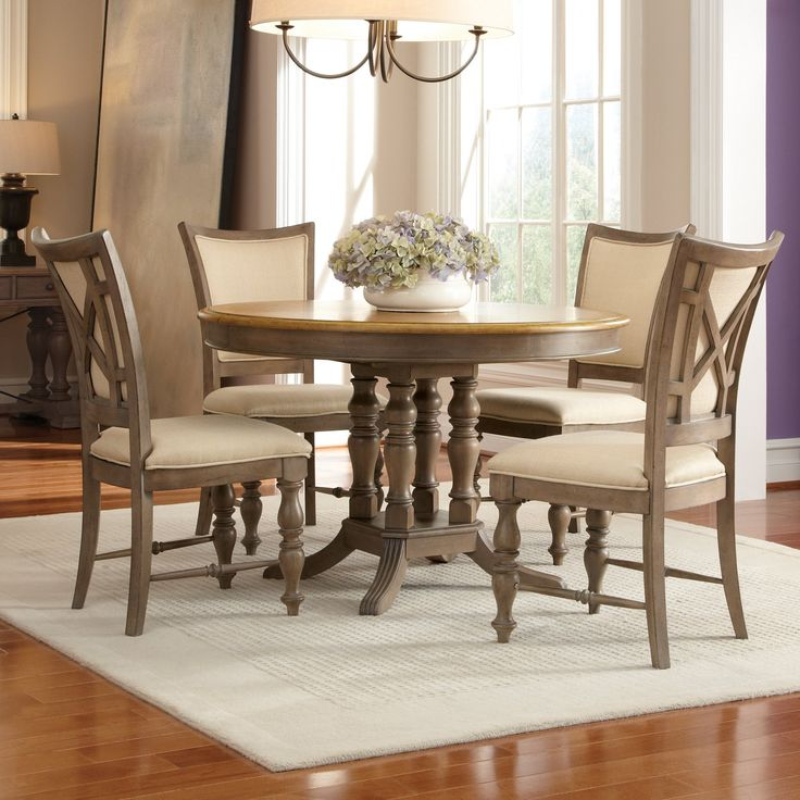 Riverside Windhaven 5 Piece Round Dining Table Set   With Its Classic  Design And Casual Finish