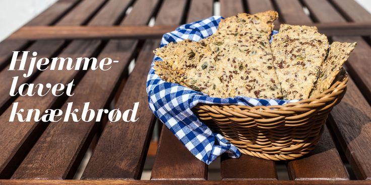 Hjemmelavet knækbrød - https://foodgeek.dk/da/hjemmelavet-knaekbrod-plus-anmeldelse-af-ost-pa-bordet/