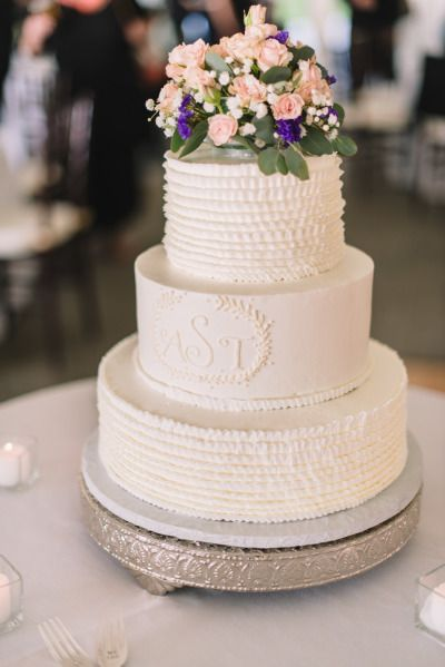 wedding cakes with initials on top best 25 monogram wedding cakes ideas on 26046