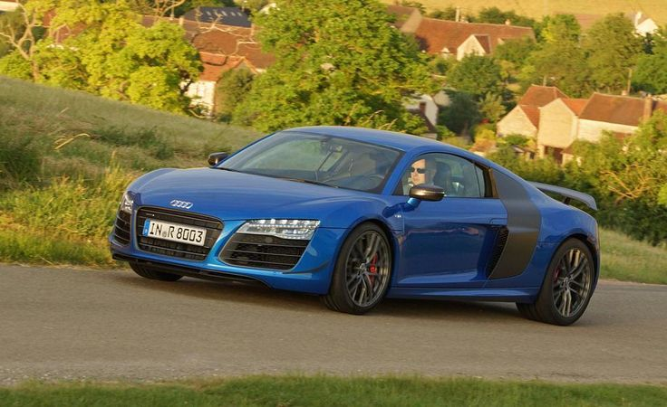 2016 Audi R8 price and specs - http://www.carracinggamesonline.org/2016-audi-r8-price-and-specs.html