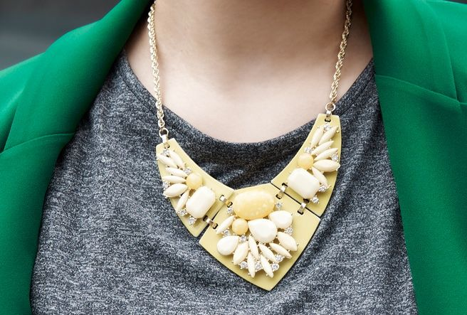 Today's Hot Pick :イエロービーズあしらいチェーンネックレス【BUILD】 http://fashionstylep.com/P0000NQW/build112/out 存在感抜群のネオンカラーチェーンネックレスです。 ライトイエロービーズをあしらったグラマラスなアイテム。 小粒のキュービックがフェミニンな上品な雰囲気を演出します。 流行のネオンカラーがシンプルなトップスと相性抜群です! 春夏にぴったりの爽やかなアクセサリーです。
