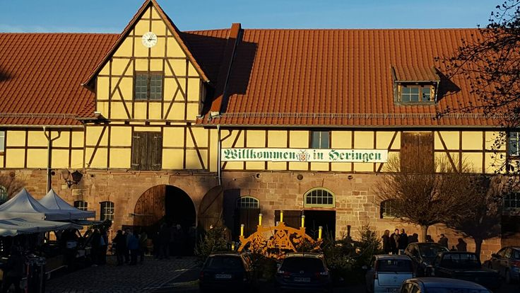 Bei angenehm sonnigen Dezemberwetter den Weihnachtsmarkt 2016 in Heringen (Helme) im Schloss besucht und endlich Bürgermeister Maik Schröter wieder getroffen.