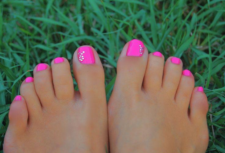 love that nail polish color