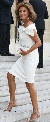 Vestido blanco, corto, lazo lateral. Valentino