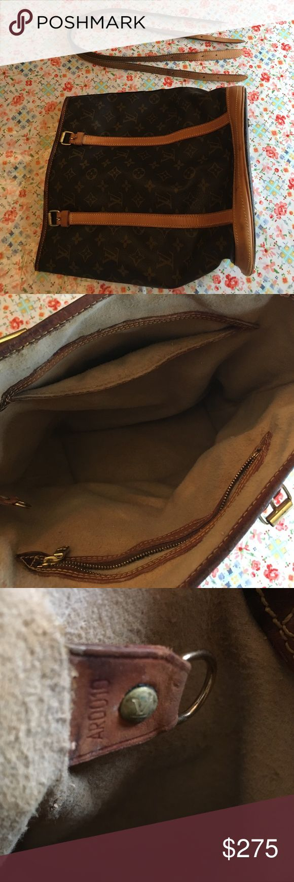 [Louis Vuitton] Authentic Bucket GM Bag Purse DIY gone awry. Got the sticky liner out but nuked the top trim. It is dark and crunchy and will need to be replaced in the long run. Outside is gorgeous with honey patina. Handles are slightly darker and in great shape. Please ask questions prior. I'm heart broken and can't look at it anymore.   LV Authentic Trade Wish List: Speedy Nano/mini or 30 Saint Cloud Samaur 30/35 or other Cross body Anything Graffiti   Trade Virgin: You must have a…