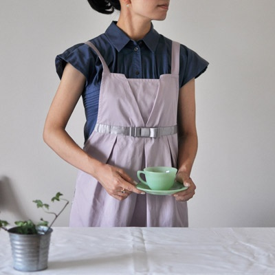 front tucked apron - smokey pink