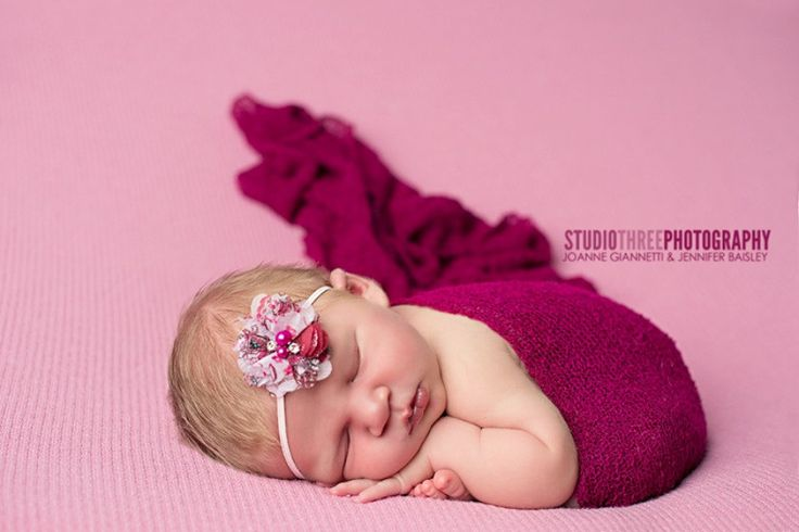 These loosely knit, extremely stretchy and versatile fabric wraps are easy to use and can be completely swaddled around newborn babies for the perfect first photo! They measure approximately 18 x 60 with lots of stretch. For a great setup you can coordinate these gorgeous wraps with some of our hats: http://www.etsy.com/shop/BeautifulPhotoProps?section_id=6910444 or headbands: http://www.etsy.com/shop/BeautifulPhotoProps?section_id=6902851 Whe...