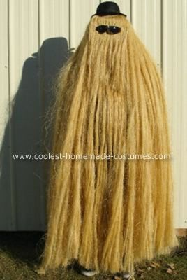 Homemade Cousin Itt Halloween Costume: The idea for this Homemade Cousin Itt Halloween Costume actually came to me after last year's Halloween.  When I was 14, I made a wig for a Halloween costume