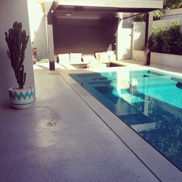 Rebecca Judd's home, pool area with sunken entertainment centre #feelinghomedecor