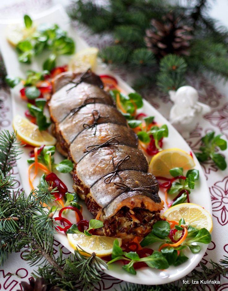 Smaczna Pyza: Ryba z pieca. Pstrąg łososiowy zapiekany z czerwonym ryżem i pieczarkami