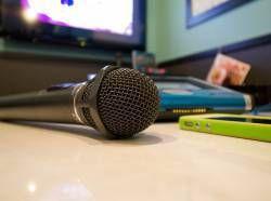 女性の98%「カラオケでアニソン歌う男は-30000点」