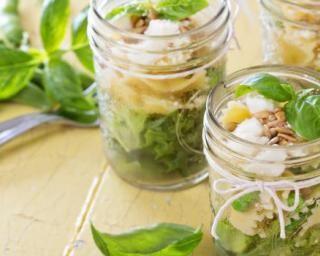 Salade light de pâtes papillon au thon en bocal à emporter