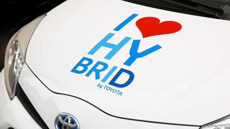Na naszym blogu znajdziecie wpis na temat samochodów hybrydowych. Jaka będzie ich przyszłość? Czy zostaną wyparte przez samochody elektryczne? Zapraszamy do lektury ;)