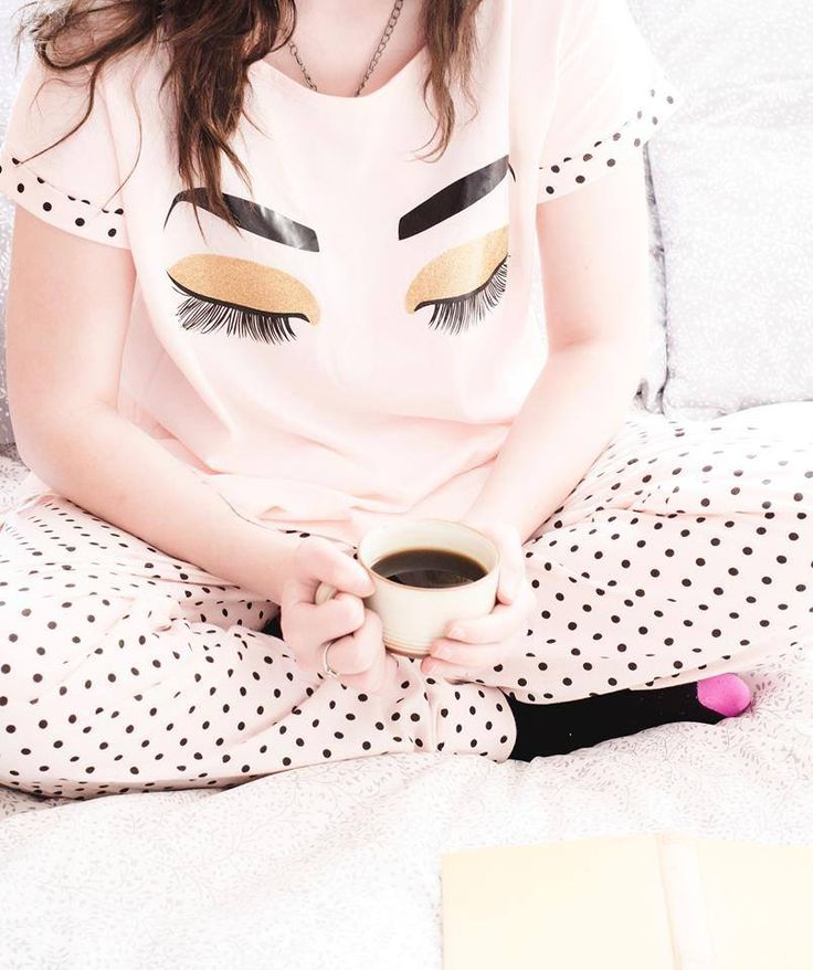 Today has been a busy day, now it's time for bed in our lashes pajamas! 👁️   How do you get a good night's sleep? 💤