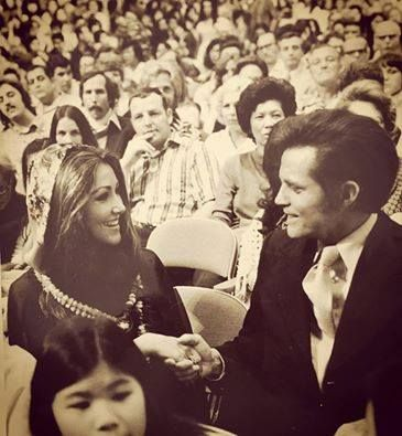 """{*Linda Thompson ~ Elvis's Girlfriend at the time here in the Crowd for his (""""Elvis' ALOHA FROM HAWAII VIA SATELLITE historic TV special Hawaii Concert shown all over the World on TV) Five-0's Jack Lord. Incredible memory*}"""