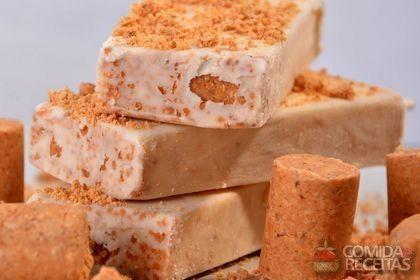 Receita de Paleta de paçoca em receitas de sorvetes, veja essa e outras receitas aqui!