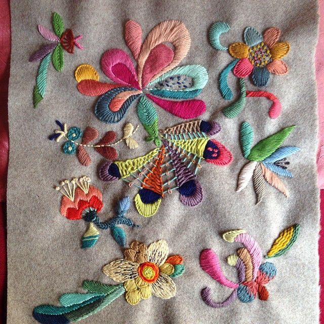 Bordado floral, de Yolanda Andres Andres
