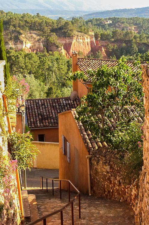 Roussillon, Provence  http://www.pinterest.com/adisavoiaditrev/boards/
