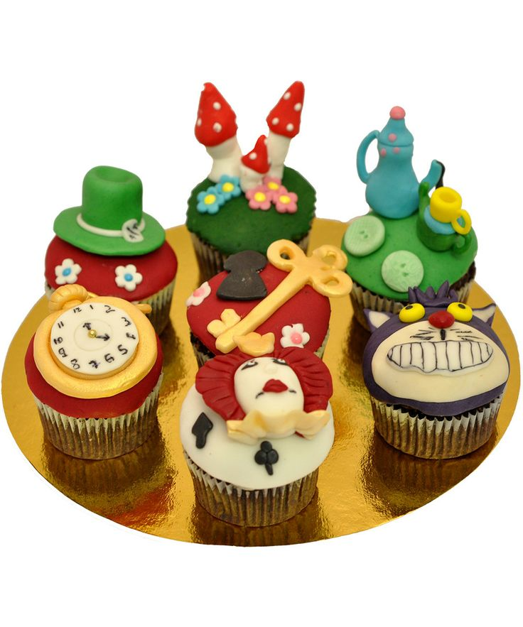 Cupcake Alice in Wonderland