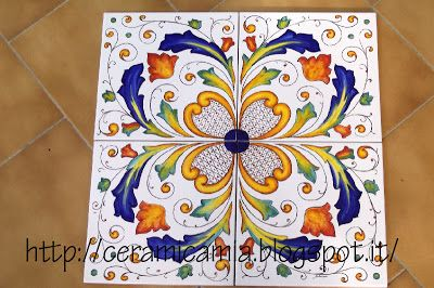 Decorazioni per le mattonelle dipinte a mano #Majolica #Italy http://ceramicamia.blogspot.it/2014/01/decorazioni-per-le-mattonelle-dipinte.html