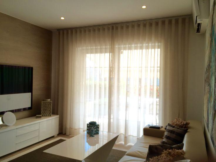 Cortinas con tejido lino corti de cortinadecor con for Cortinas blancas salon