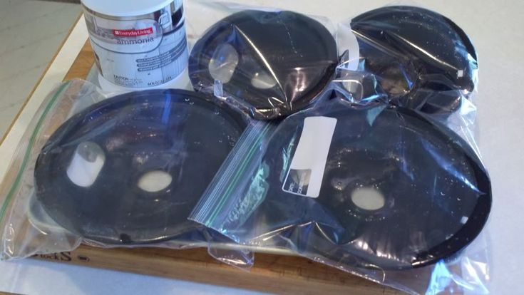 Clean stove burners with a splash of ammonia in a sealed ziplock bag: Cleaning Burner, Clean Stove Burners, Cleanses, Cleaning Ideas, Clean Burners, Diy Cleaning, Clean Stove Top, Burner Pan, Cleaning Tips