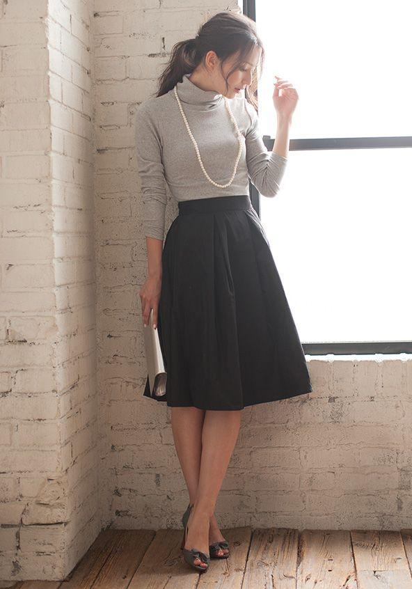 スタイリストコーデ 通勤,オフィスのコーディネートに、リブタートルネックトップス+タフタフレアスカート,それぞれにも使える人気のitemをコーデSETにしてお届け
