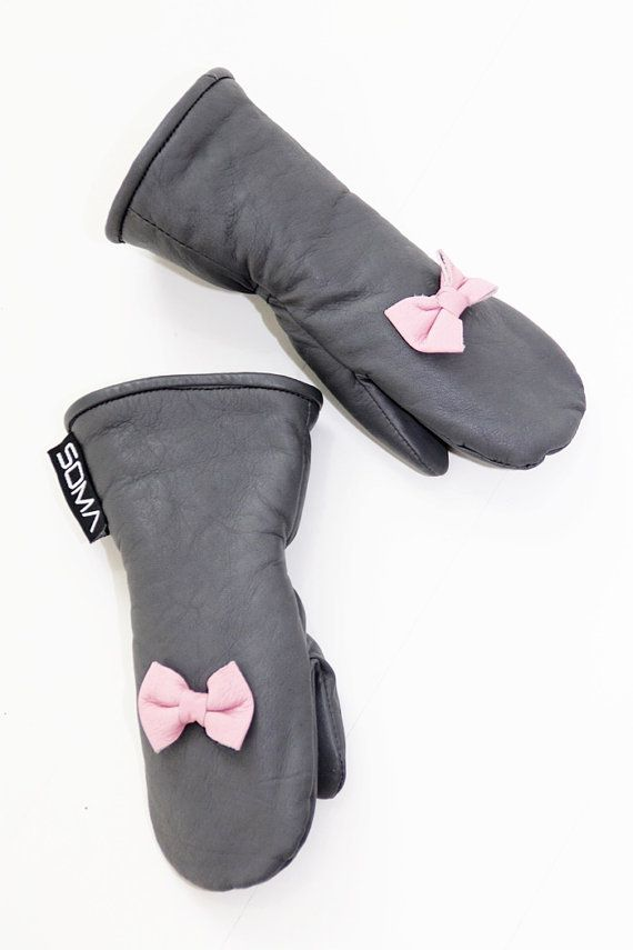 Childrens leather mittens  Gray/ Bubblegum Pink by somaoriginal