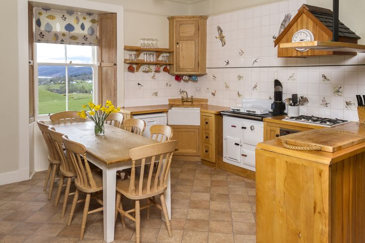 Viewfield Farm, New Galloway, Castle Douglas, Dumfries & Galloway, Scotland. Holiday. Travel. Fishing. Countryside. Fishing. Disabled Access. Self Catering. Accommodation. Cottage. https://www.theholidaycottages.co.uk/.