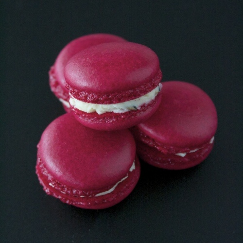 Best 25+ Red macarons ideas on Pinterest | Macaroons ...