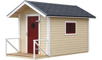 Lekstuga Poppe 3,5 N Lekstuga med färdiga väggsektioner av liggande panel och med öppningsbart fönster i plexi, för att höja säkerheten och stå emot barnens lek. Eftersom stugan inte överstiger 5 m², finns utrymme för friggebod eller förråd på 10 m² på tomten, utan att bygglov måste sökas.
