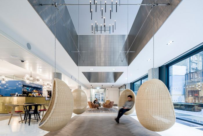 Jump Studiosdesigned the new headquarters for advertising agency Saatchi & Saatchi, located in London, England. Architecture and interiors practice Jump Studios, a Populous Company, has delivered a new London office…