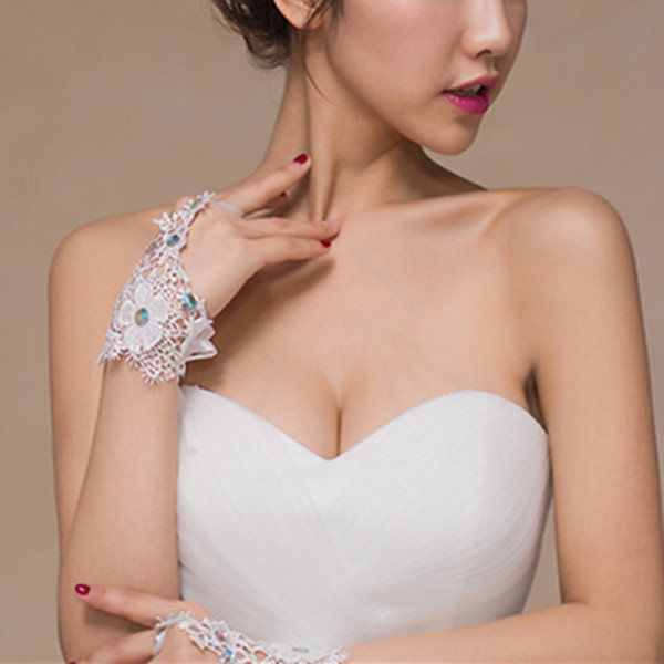 Bridal Lace Embroidery Diamond Hook Gloves Wedding Dress Accessories Short Gloves