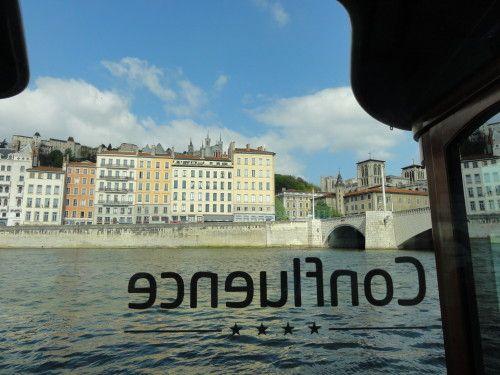 vaporetto-lyon-confluence.JPG