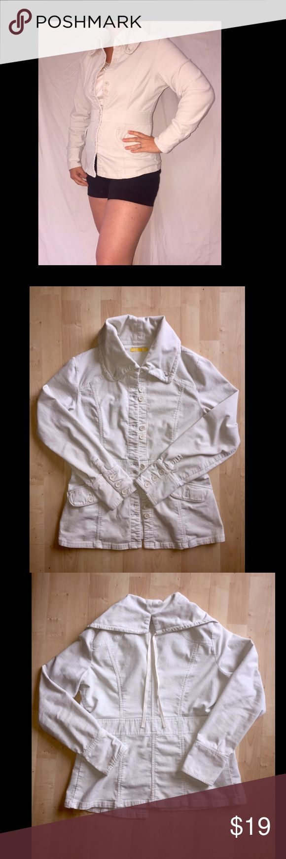 Lole Summer Corduroy Jacket The charm is in the details! Creamy corduroy jacket, perfect for a breezy summer evening. Slight stretch, flattering lines, buttons and cute collar ties in back.. make this your go-to summer wear! Lole Jackets & Coats Utility Jackets