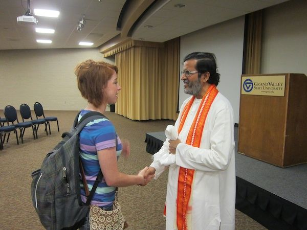 A student expresses her appreciation at Grand Valley State University in US 2013