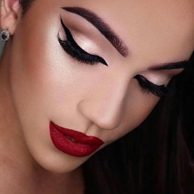 M s de 25 ideas incre bles sobre maquillaje labios rojos for Labios mate paso a paso