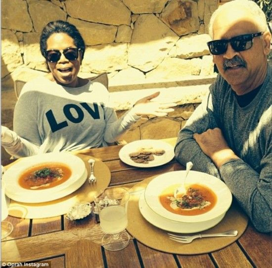 Oprah Wears LOVE For Her Partner of 28 Years Stedman Graham- http://getmybuzzup.com/wp-content/uploads/2014/04/277377-thumb.jpg- http://getmybuzzup.com/oprah-wears-love-partner-28-years-stedman-graham/- By Posted By: Beyond Gossip Despite Oprah Winfrey being one of the most famous women in the world, her over 28 years love relationship with partner Stedman Graham has been kept out of the media, with no scandals and drama. However, the publicity shy businessman posed for a swe