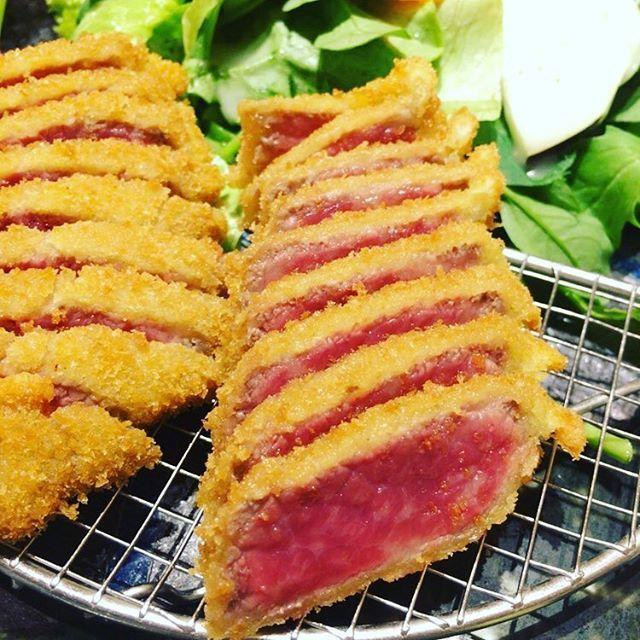 信じることさ。必ず、最後に愛はカツ  #飯テロ #ランチ #lunch  #牛カツ #牛 #霜降り #肉 #beef  #揚げ物 #fly #サラダ #salad  #美味しい  #love #らぶ #tokyo #新宿 #西武新宿 #あおな