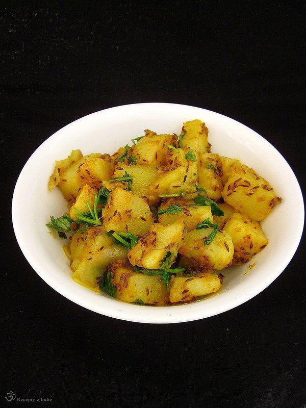 ČO POTREBUJETE:     5ks stredne veľkých zemiakov; uvarené v šupke   olej rastlinný   1 a 1/2 lyžičky rímskej rasce (jeera); použila s...