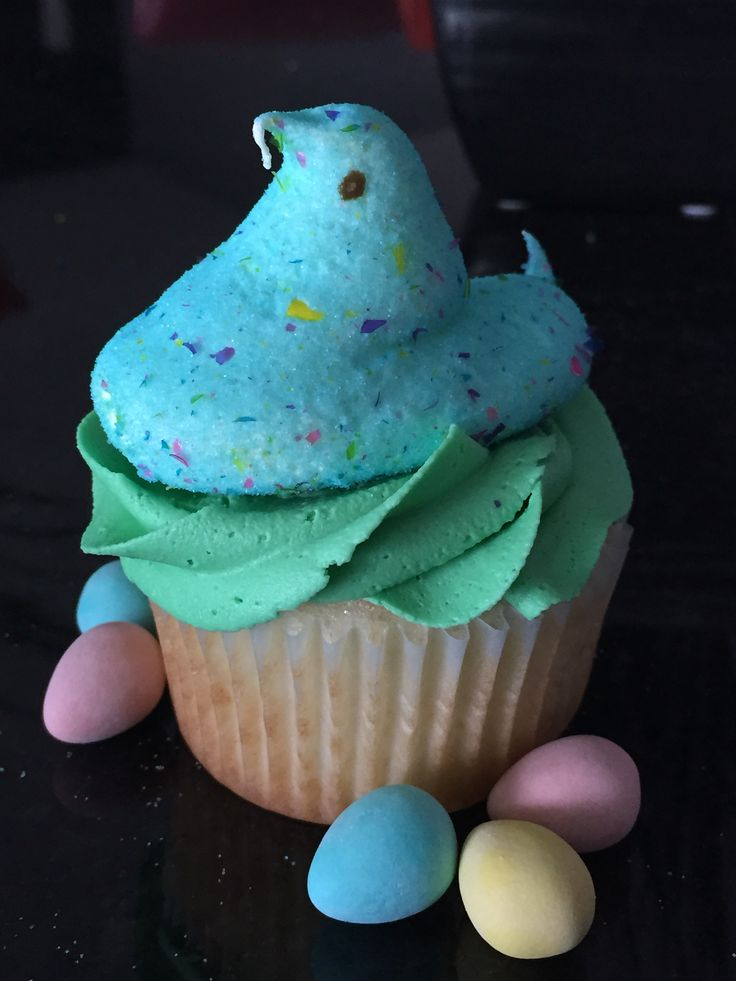 Birthday cake flavoured peep cupcake