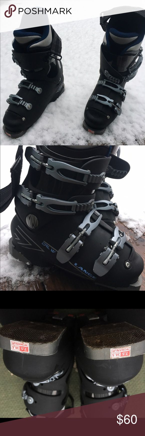 Lange women's intermediate/beginner ski boot Navy/black intermediate ski boot only worn 2-3x boot is a 7.5 but fits like a 6.5 great for a narrow heel/foot. Lange  Shoes Winter & Rain Boots