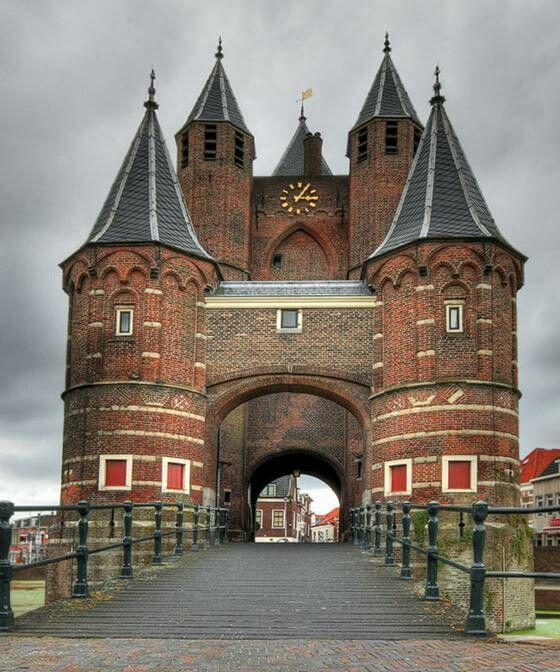Amsterdam poort in Haarlem, Netherlands